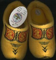 EU-20-21 Cloggy-- Slipper Child-s Size 5