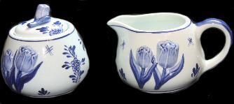 Delfts Blue Sugar and Creamer Set with Tulip.