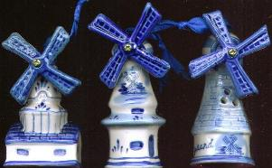 Ornament set 3 Windmills. 10cm