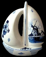 Sailboat Bank -- 17 cm -- Delft Blue